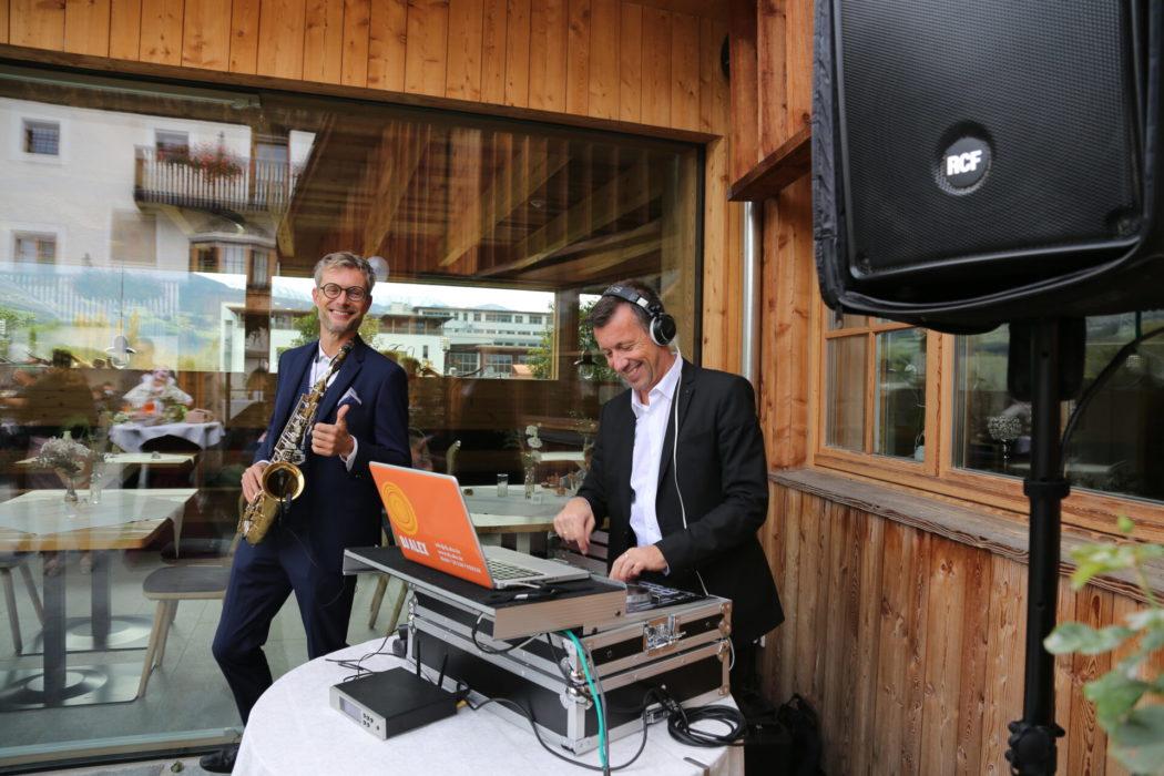 DJ Alex & Rupi on the Sax