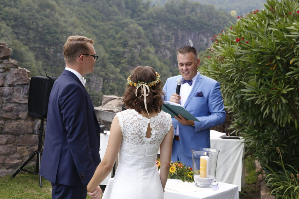 Free Wedding Ceremony Hocheppan Castle